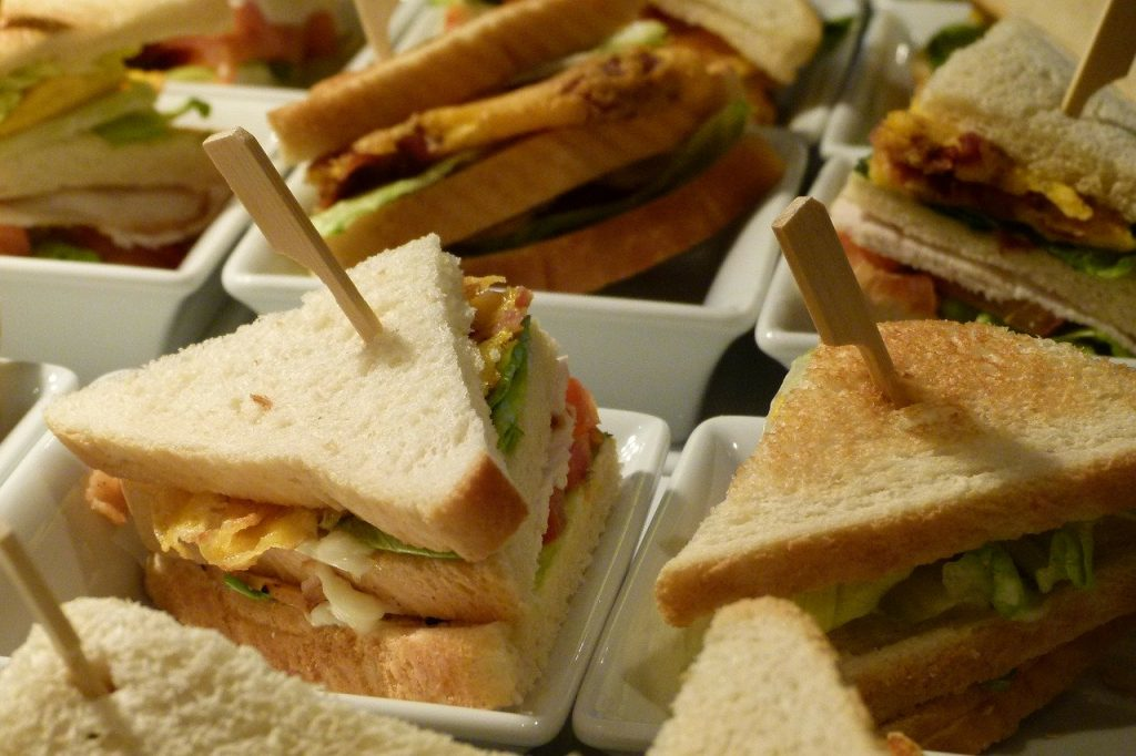 club, sandwich, dine